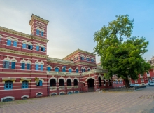 Kothi-building