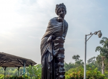 artimis-statue-sayajibaug