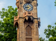 sayajigunj-clock-tower