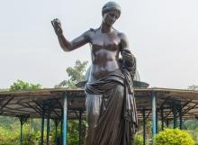 venus-statue-sayajibaug